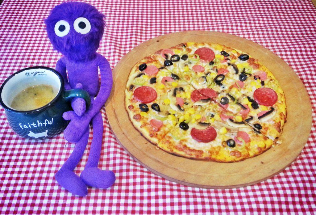 kukla-sureyya-istanbul-kadikoy-yeldegirmeni-zip-pizza