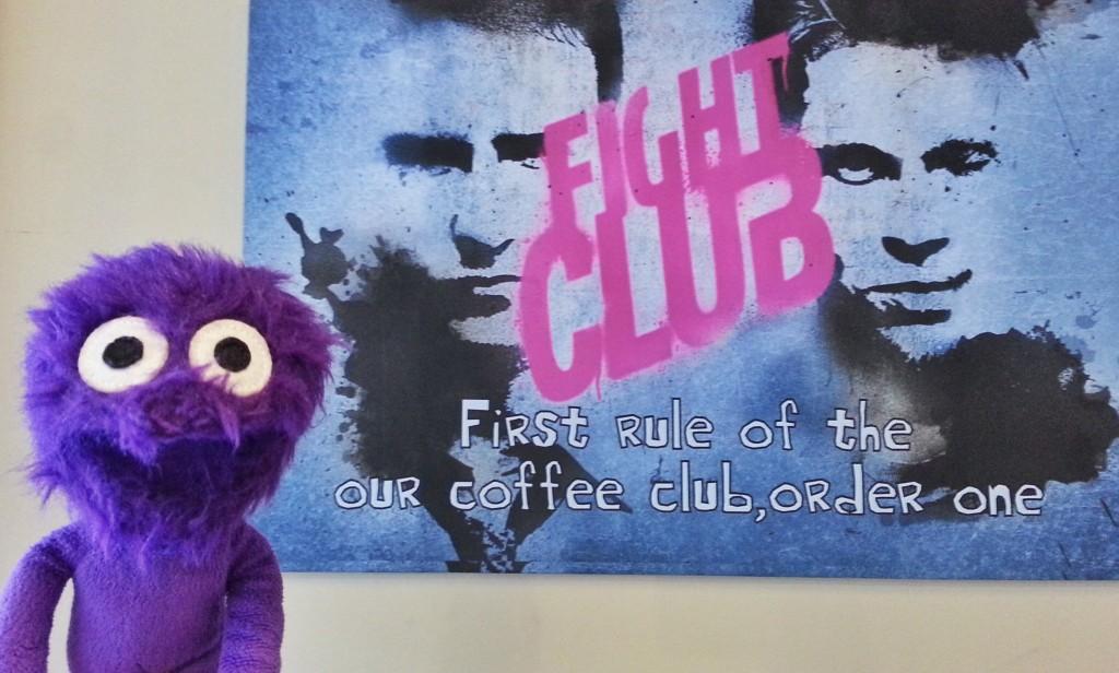 kukla-sureyya-kadikoy-moda-barlar-sokagi-kadife-rexx-coffee-in-kahveci-fight-club
