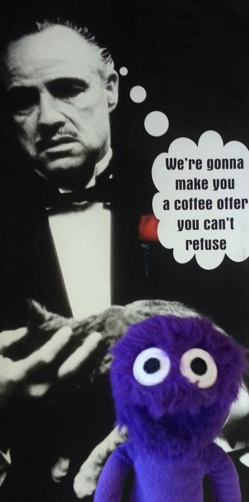 kukla-sureyya-kadikoy-moda-barlar-sokagi-kadife-rexx-coffee-in-kahveci-godfather