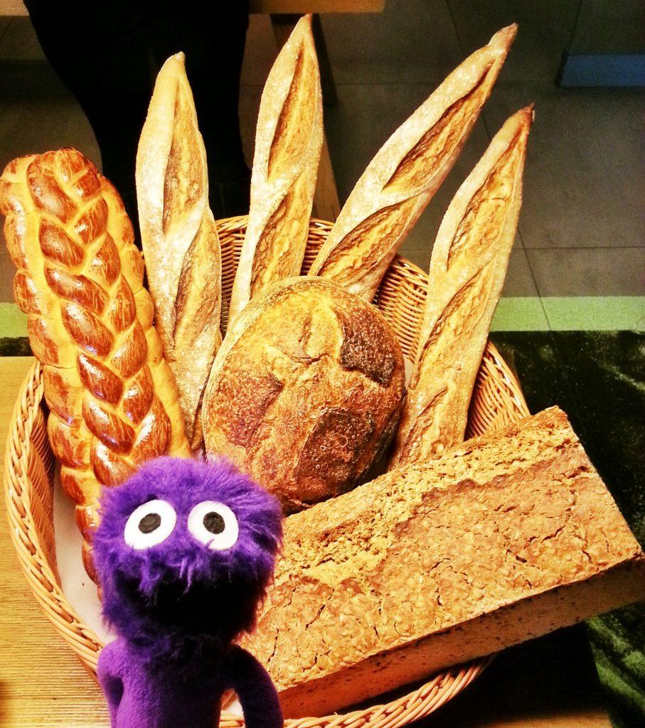 kukla-sureyya-diyet-yiyeceklerin-kalorileri-karbonhidrat-ekmek-simit-tatli