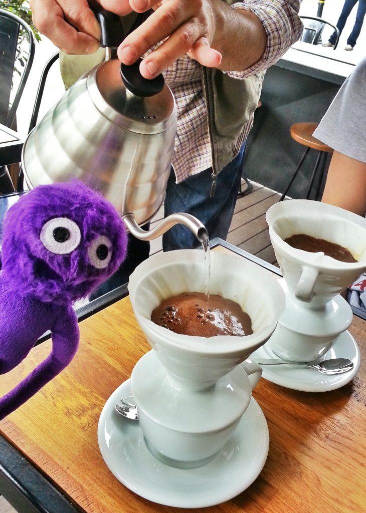 kukla-sureyya-3-dalga-kahveciler-pour-over-filtre-kahve-demleme-nedir
