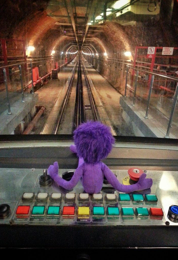 kukla-sureyya-istanbul-beyoglu-taksim-tunel-nostaljik-tramvay-2
