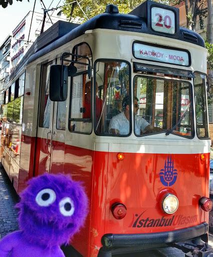 kukla-sureyya-istanbul-kadikoy-nostaljik-tramvay-2.jpg