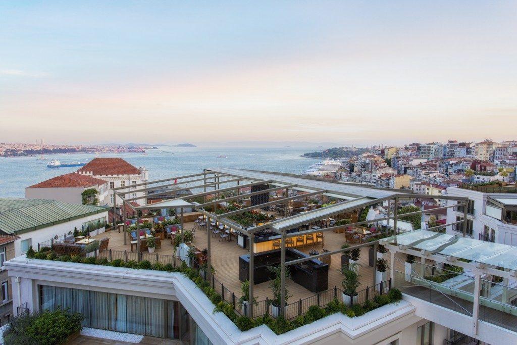 kukla-sureyya-taksim-gumussuyu-cvk-park-bosphorus-hotel-hezarfen-Bar-2