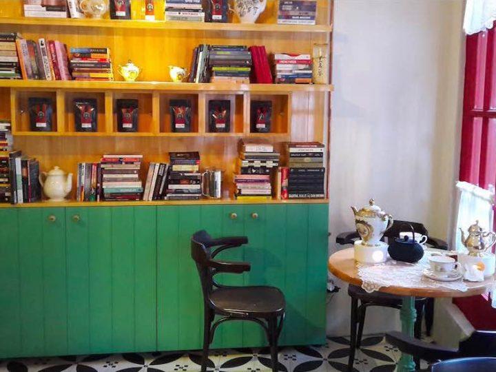 Çengelköy'de Çaycı İzzet Efendi: Yeni Bir Kafe, Yeni Bir Nefes