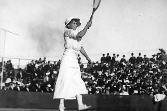 May Sutton plays tennis. Women's tennis player. Action Picture TBC DATE Photographer unknown