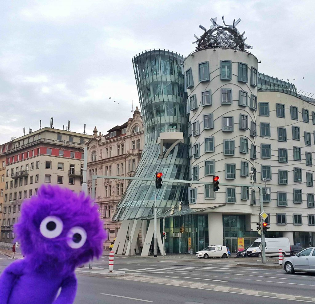 kukla-sureyya-the-dancing-house-in-prague-czech-1 1